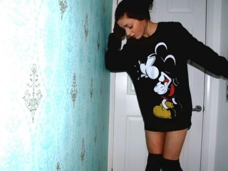vintage_mickeysweater